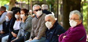 Aşı olan 65 yaş ve üstü vatandaşlar sokağa çıkabilecek